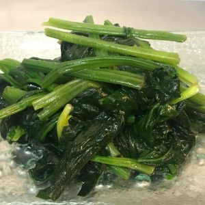 Stired fried spinach